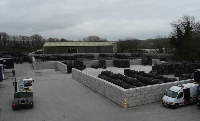 DuoT-Interlocking-Concrete-Blocks-used-at-a-tyre-recycling-facility2