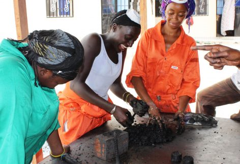 wasteaid-trainees-making-charcoal-briquettes-from-organic-waste